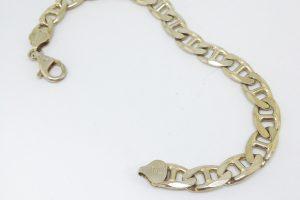 https://amajewellery.ca/wp-content/uploads/2017/03/silverbraceletnotgood-300x200.jpg