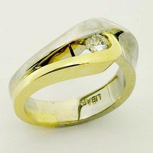 https://amajewellery.ca/wp-content/uploads/2017/05/Engagement-Ring-12-300x300.jpg