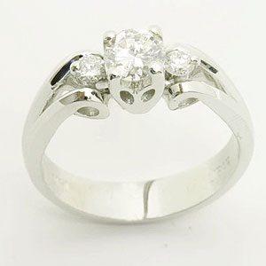 https://amajewellery.ca/wp-content/uploads/2017/05/Engagement-Ring-16-300x300.jpg