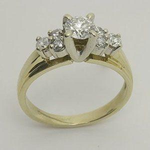 https://amajewellery.ca/wp-content/uploads/2017/05/Engagement-Ring-19-300x300.jpg
