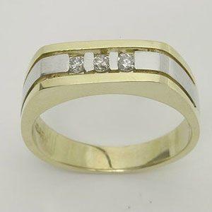 https://amajewellery.ca/wp-content/uploads/2017/05/Engagement-Ring-20-300x300.jpg