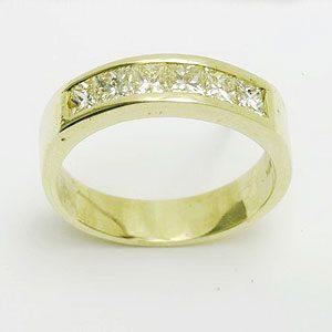https://amajewellery.ca/wp-content/uploads/2017/05/Engagement-Ring-21-300x300.jpg