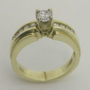 https://amajewellery.ca/wp-content/uploads/2017/05/Engagement-Ring-22-300x300.jpg