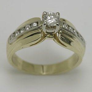 https://amajewellery.ca/wp-content/uploads/2017/05/Engagement-Ring-24-300x300.jpg