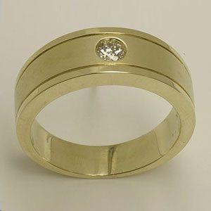 https://amajewellery.ca/wp-content/uploads/2017/05/Engagement-Ring-34-300x300.jpg