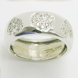 https://amajewellery.ca/wp-content/uploads/2017/05/Engagement-Ring-35-300x300.jpg