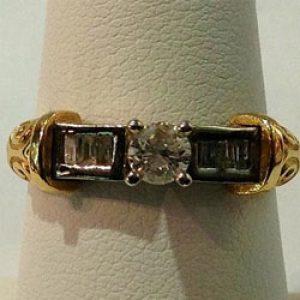 https://amajewellery.ca/wp-content/uploads/2017/05/Engagement-Ring-47-300x300.jpg