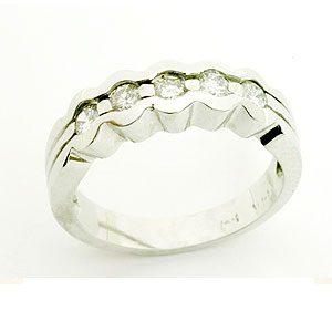 https://amajewellery.ca/wp-content/uploads/2017/05/Engagement-Ring-7-300x300.jpg