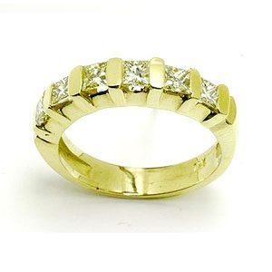 https://amajewellery.ca/wp-content/uploads/2017/05/Engagement-Ring-8-300x300.jpg